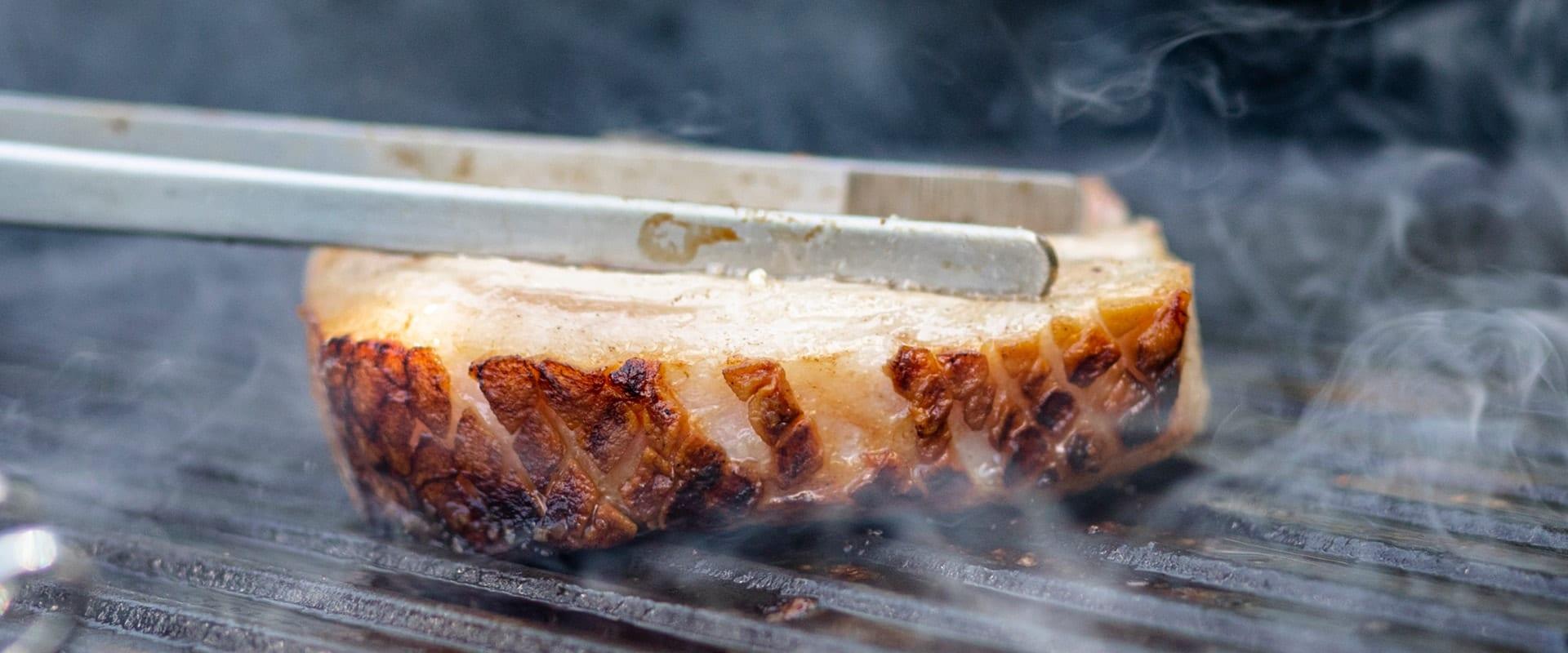 Aufgeklärt: Wie oft darf man ein Steak wenden?