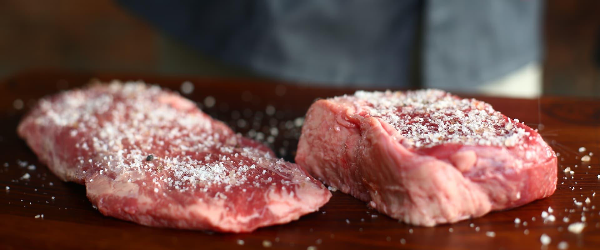 Aufgeklärt: Wie viel Salz soll auf ein Steak?